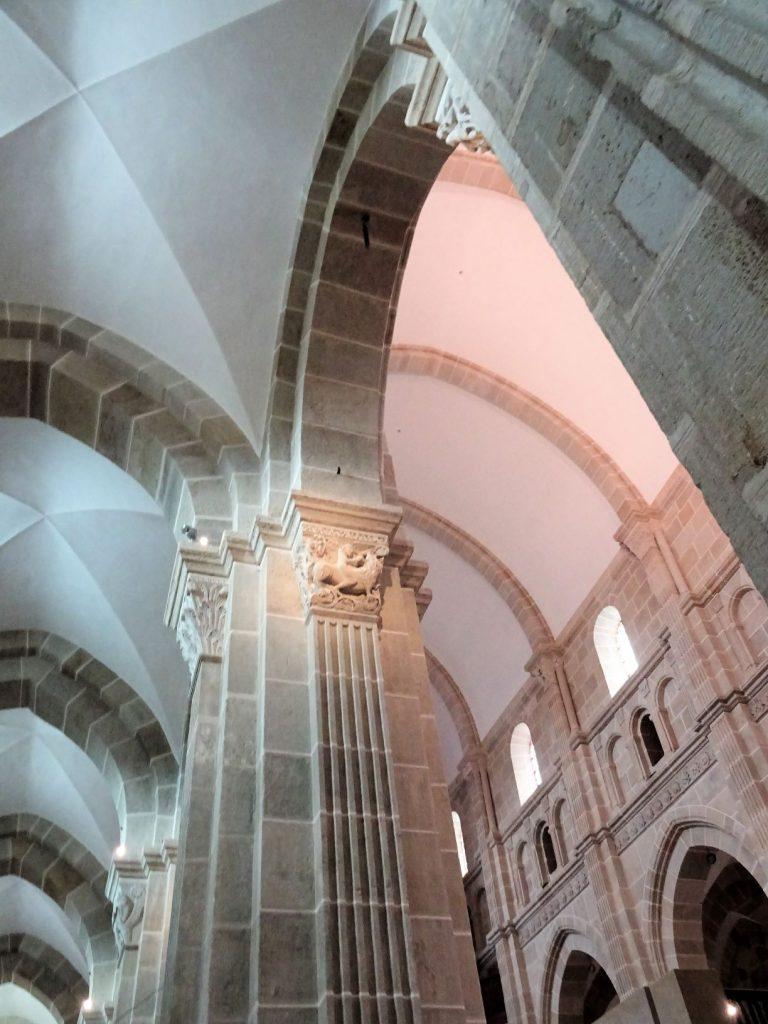 Voutes de la cathédrale Saint-Lazare à Autun